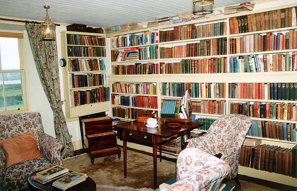مكتبة المنزل.. مكان للراحة والذكريات library_x.jpg
